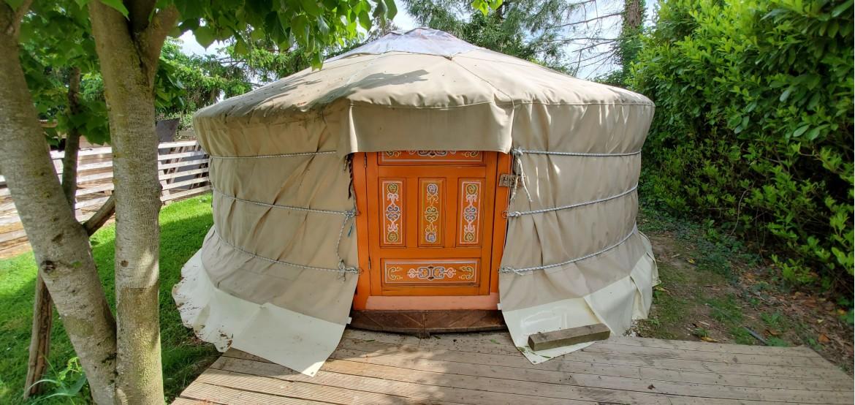 Unusual accommodation rental: Yurt 4 people