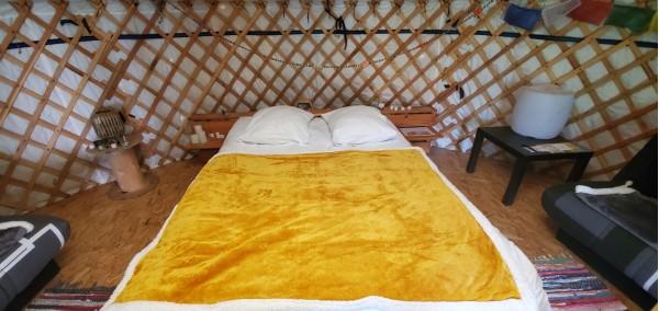 Unusual accommodation rental: Yurt 6 people